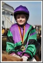 Bremer Galopprennen Mit Shetty 300318 Shetty Zack Vorbei Das Rennen Sieger Igs Medaille IMG 0728